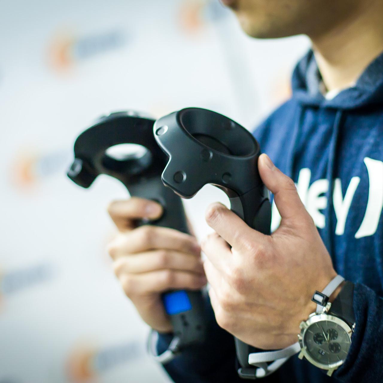 контроллеры HTC Vive